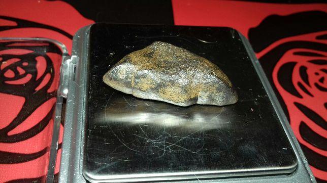похоже на метеорит