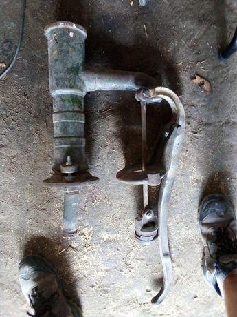 Stara pompa reczna