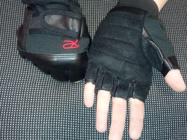 Перчатки спортивные защитные для фитнеса