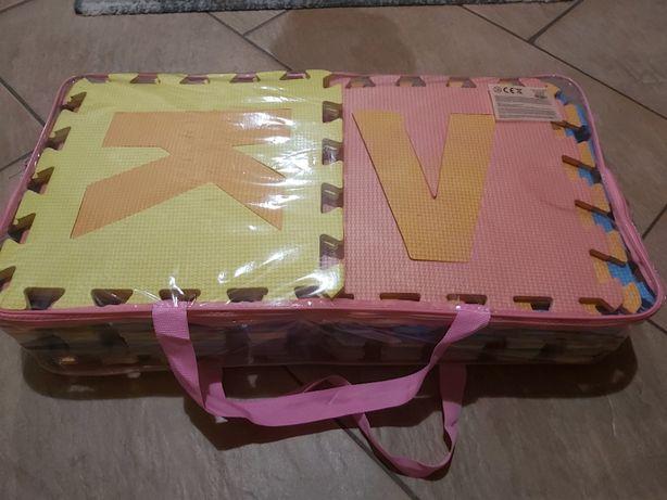 Puzzle piankowe literki 26szt. 29x29cm lean toys