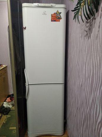 Продам холодильник двухкамерный 2 компрессора