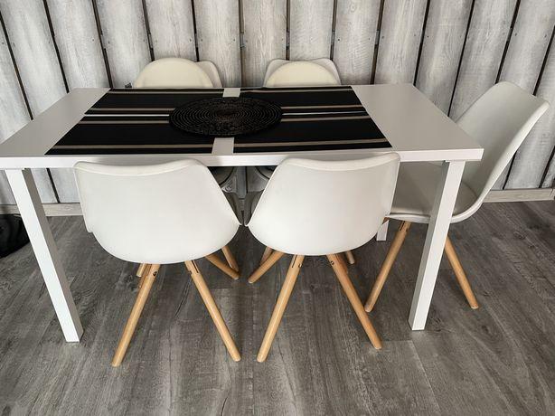 Stol bialy ( z krzeslami )