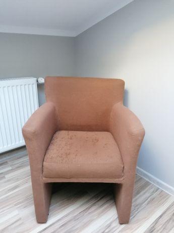 Fotel brązowy nie zniszczony