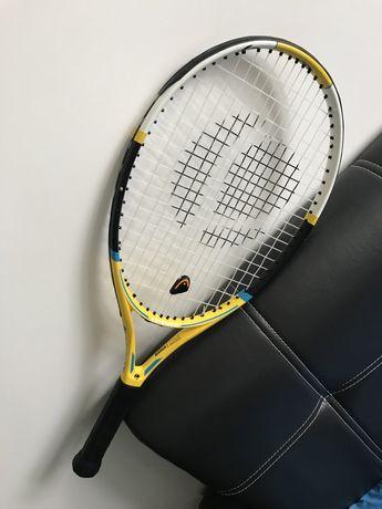 Тенісна ракетка з дитячою ручкою