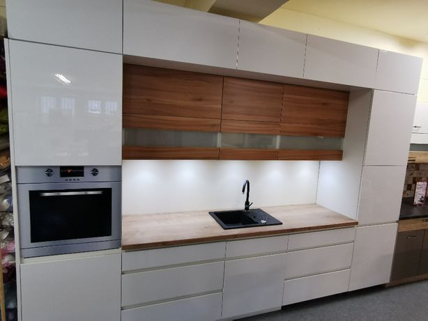 Nowe meble kuchenne, wysoka zabudowa 360cm kuchnia