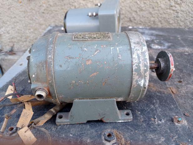 Продам генератор 24 вольт