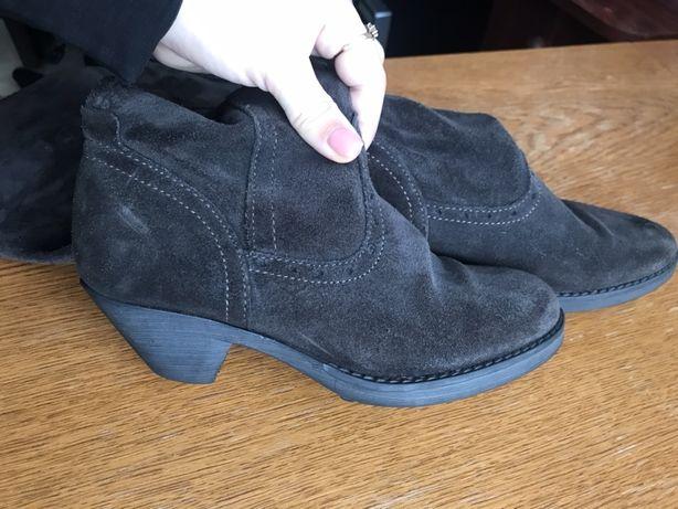 Замшеві чобітки-ботфорди