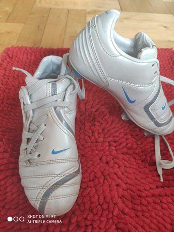 Korki Nike rozm 31,5