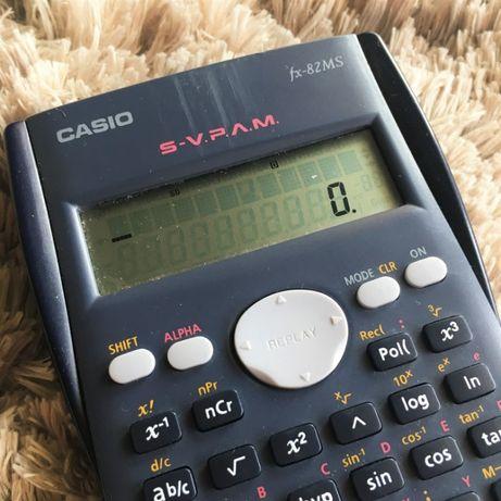 Calculadora Científica - Casio fx-82MS