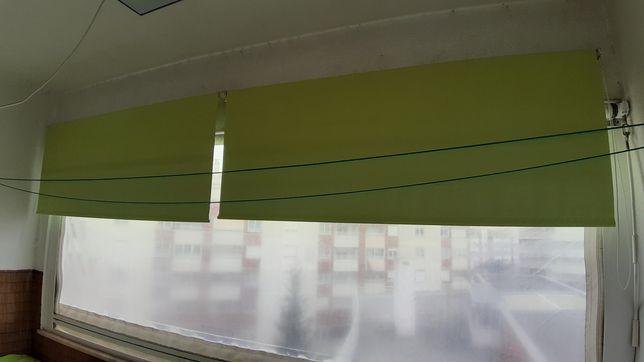Estore verde de rolo