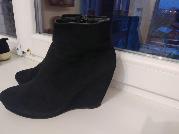 Продам черевики жіночі