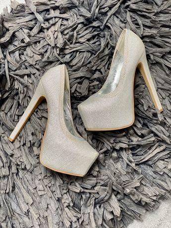 Srebrne szpilki buty na obcasie 37