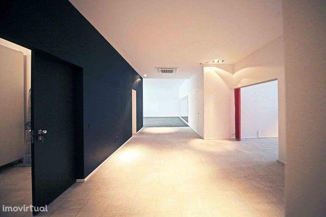 Escritório / Show Room / Clinica - Lapa com estacionamentos