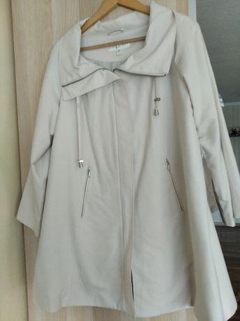 Lekki płaszcz przejściowy 44