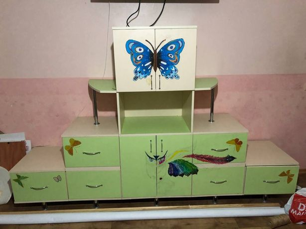 Шкаф-горка для детской комнаты