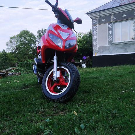 Продам скутер Viper R 3