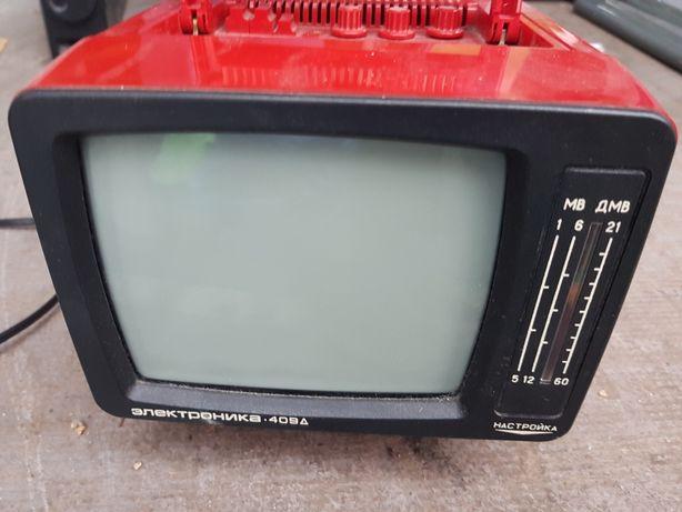Mini telewizor. TV przenośny.
