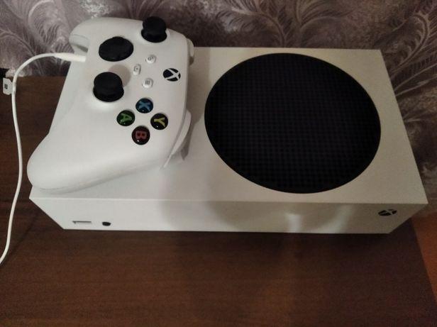 Меняю Xbox series s  на ps4 pro с играми