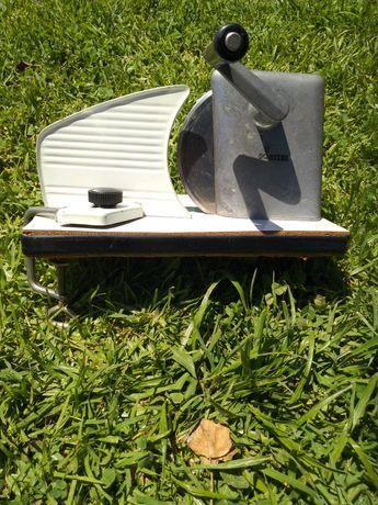 Máquina cortar fiambre ou queijo