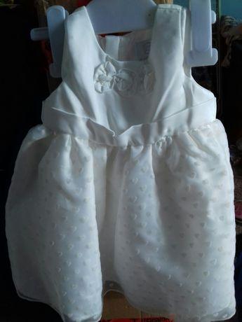 Sprzedam sukieneczki na chrzest