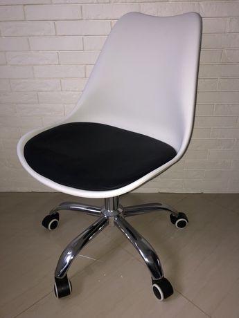 Krzesło obrotowe z poduszka do biurka-Jak Nowe