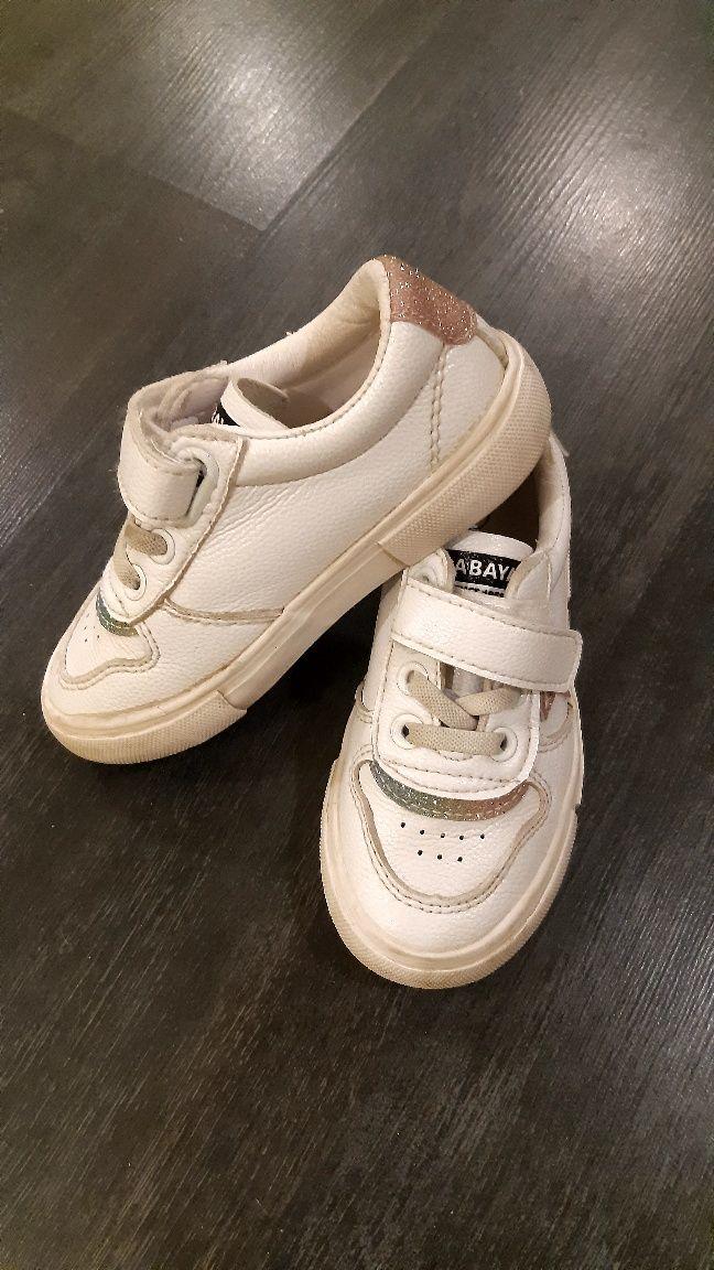 Кросовки  24 размер