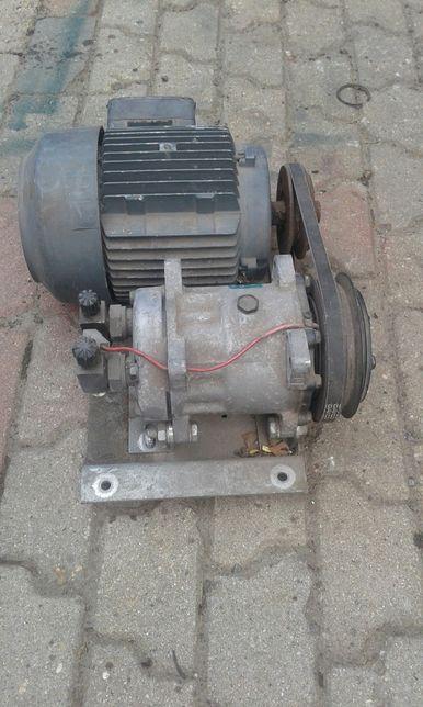 Silnik i sprężarka klimatyzacji