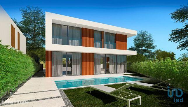 Moradia - 201 m² - T4
