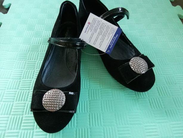 Туфли школьные велюр(32,35,37,38,39)