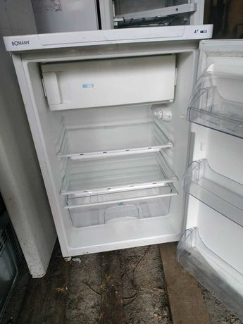 Холодильник с морозилкой. BOMANN