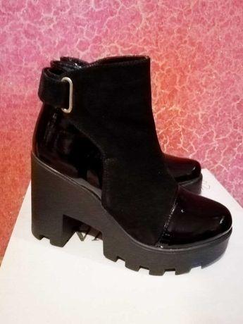 Демисезонные замшевые ботинки (37 размер)