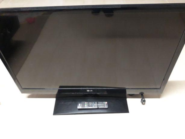 """Televisão LG 42"""" LCD"""