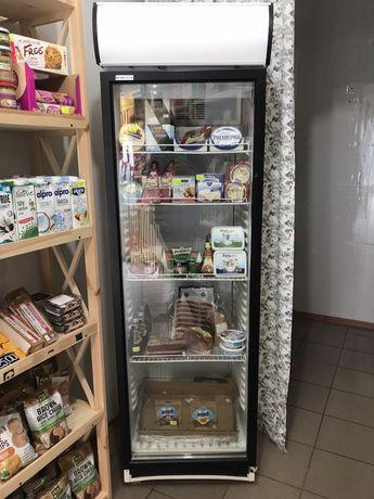 Холодильный шкаф в магазин