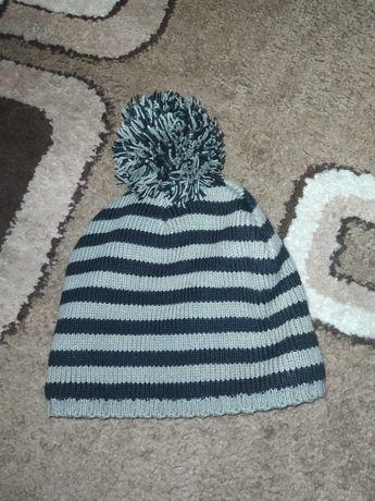Демисезонная шапка, шапочка