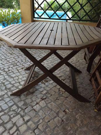 Mesa de jardim em teca