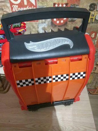 Гараж-трек Hot Wheels Racing Battle Case