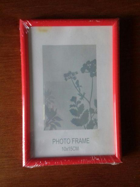 Mała czerwona ramka na zdjęcie 10x15cm