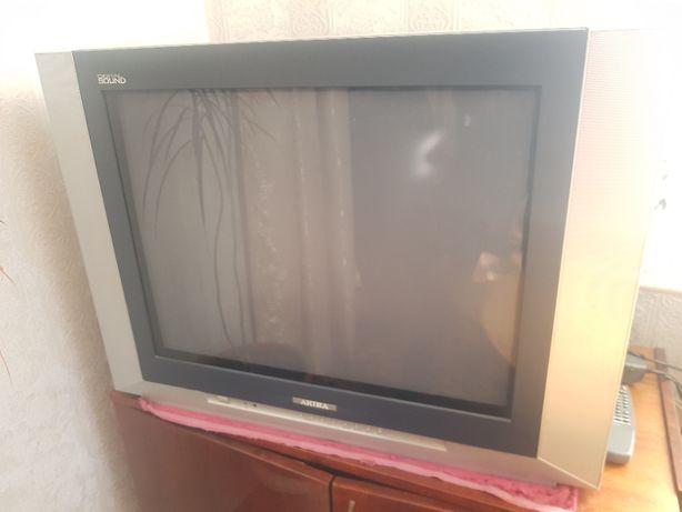 Телевизор Akira в хорошем состоянии большой