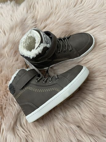 Ботинки или кроссовки