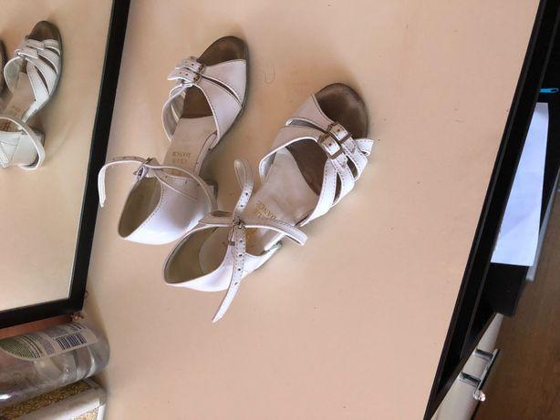 Блок каблук для танца туфли босоножки белые бальные танцы