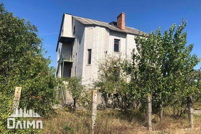 Продаю 3 этажный дом 350 кв. м, 7 к, участок 12соток, Гнивань 6910