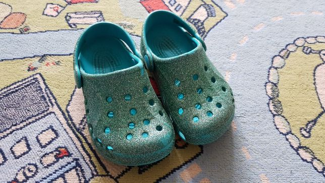 Crocs C6-7 на девочку блестящие