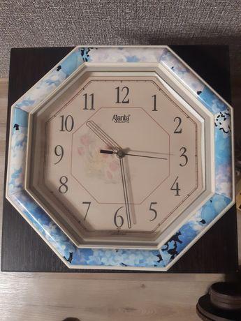 Настенные кварцевые часы Ajanta