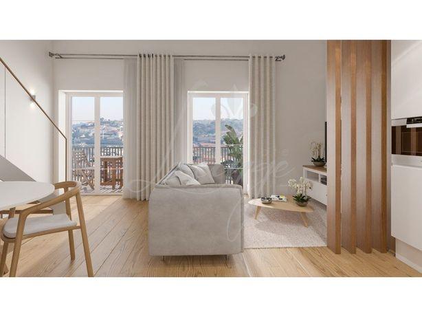 Vende-se Apartamento Loft T1 Mezzanine Novo com Varanda (...