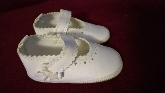 Białe buciki do chrztu rozm. 12
