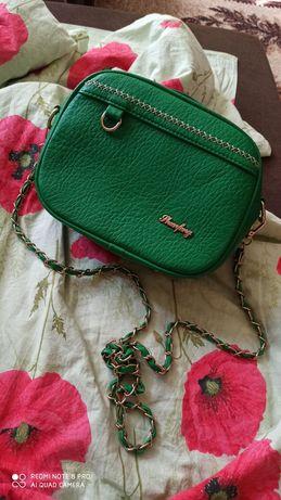 Новая сумочка  насыщенного зелёного цвета