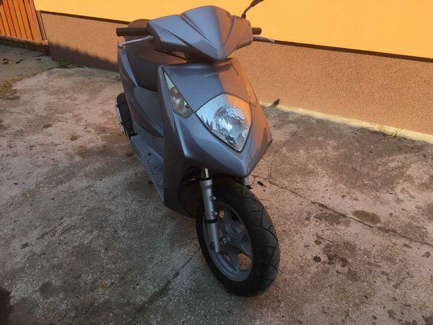 skuter Honda Dylan 125 sh