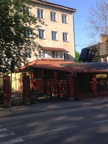 Продаю 3-ьох кімнатну квартиру в центрі м. Дрогобич