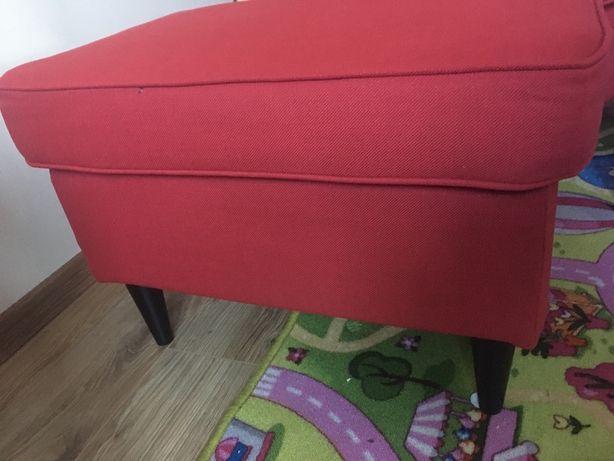 Podnóżek uszak ikea bordowy czerwony nowy pufa siedzisko strandmon