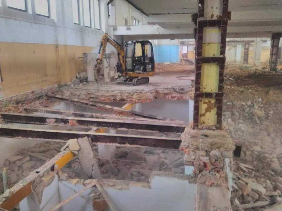 Usługi minikoparka Białystok, wywrotka 6 ton z HDS, młot do kłucia